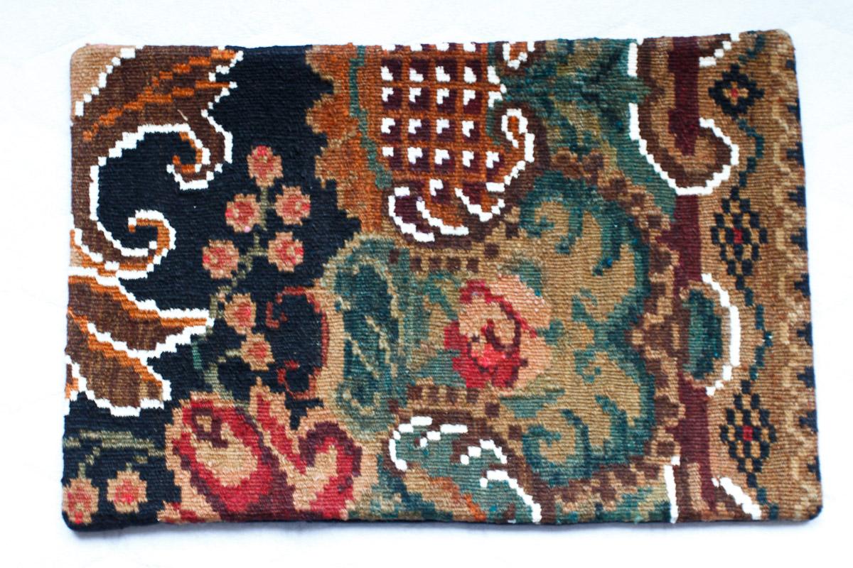 Rozenkelim kussen nr 1528 (60cm x 40cm) Kussen gemaakt van authentieke rozenkelim, inclusief binnenkussen