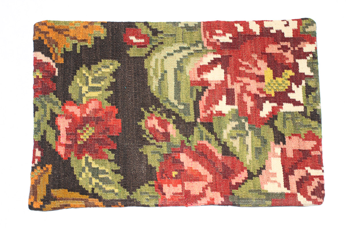 Rozenkelim kussen nr 1539 (60cm x 40cm) Kussen gemaakt van authentieke rozenkelim, inclusief binnenkussen