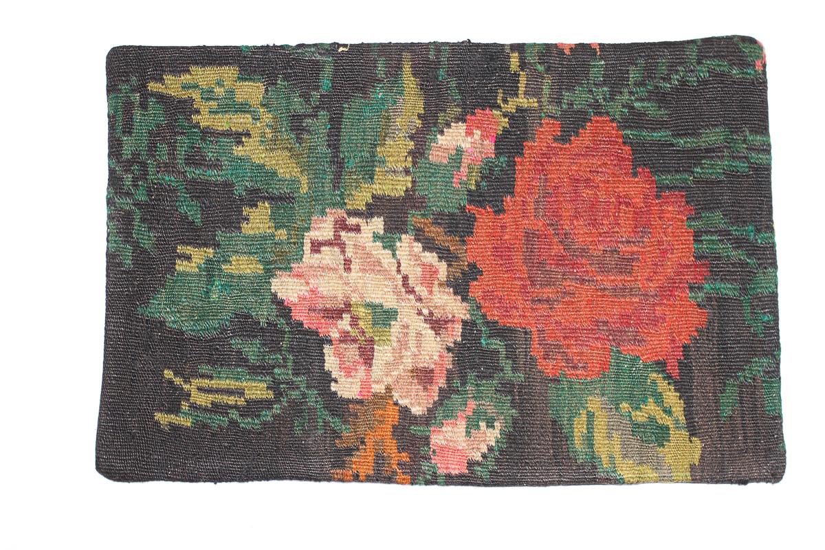 Rozenkelim kussen nr 1548 (60cm x 40cm) Kussen gemaakt van authentieke rozenkelim, inclusief binnenkussen