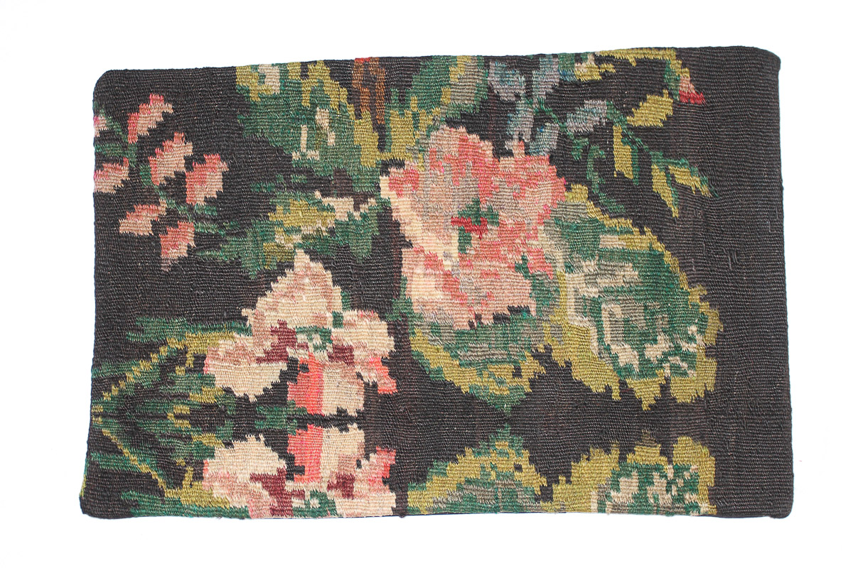 Rozenkelim kussen nr 1551 (60cm x 40cm) Kussen gemaakt van authentieke rozenkelim, inclusief binnenkussen