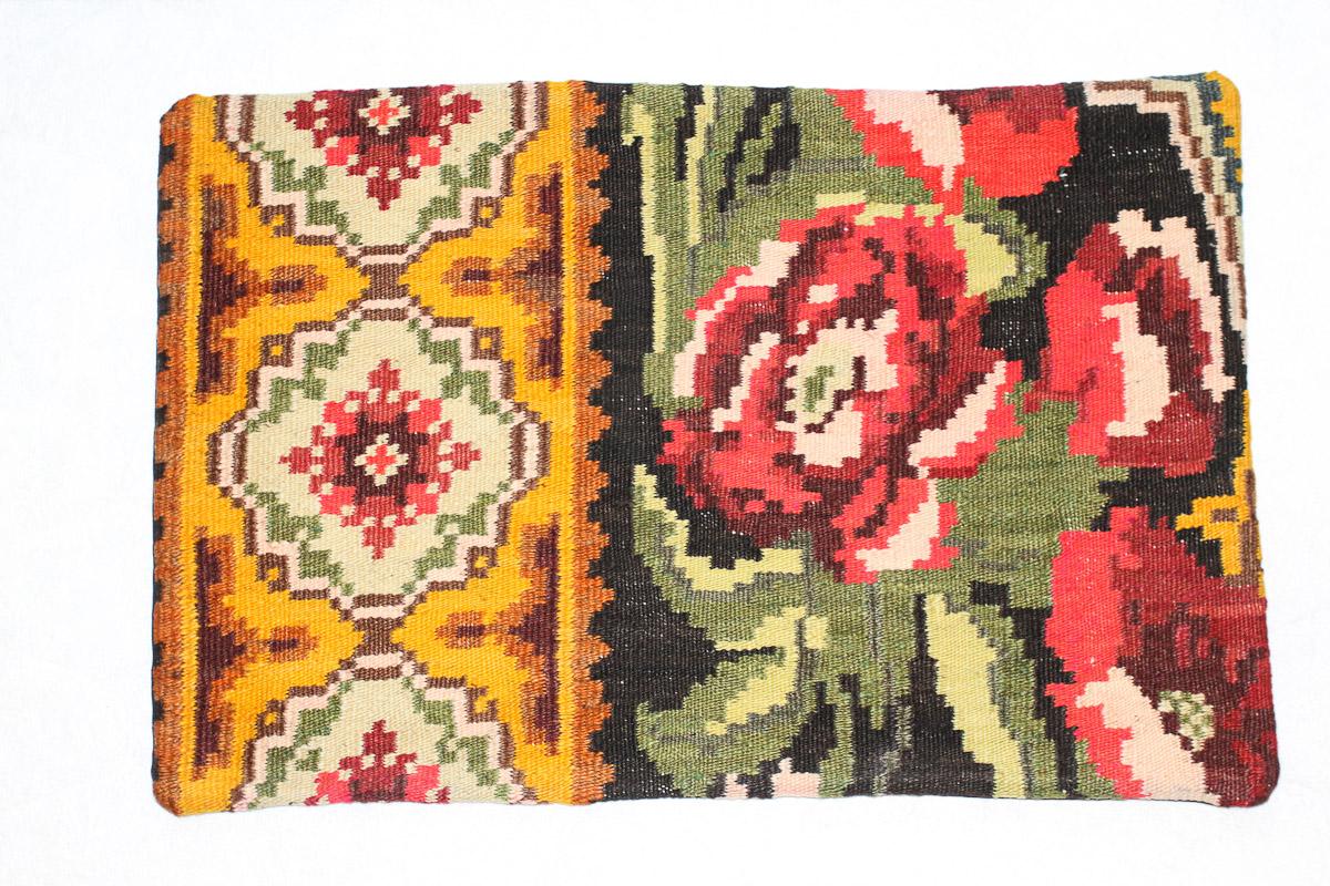 Rozenkelim kussen nr 1562 (60cm x 40cm) Kussen gemaakt van authentieke rozenkelim, inclusief binnenkussen