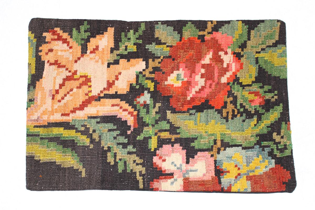 Rozenkelim kussen nr 1564 (60cm x 40cm) Kussen gemaakt van authentieke rozenkelim, inclusief binnenkussen