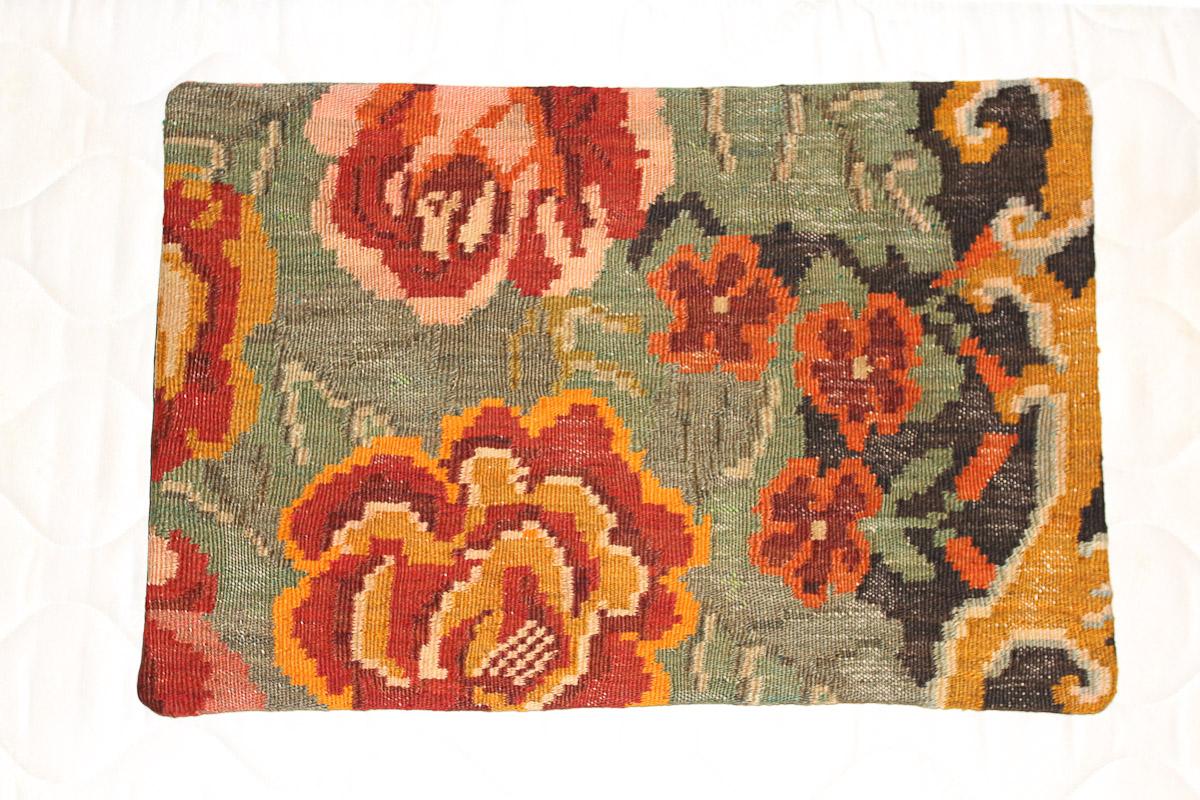 Rozenkelim kussen nr 1575 (60cm x 40cm) Kussen gemaakt van authentieke rozenkelim, inclusief binnenkussen