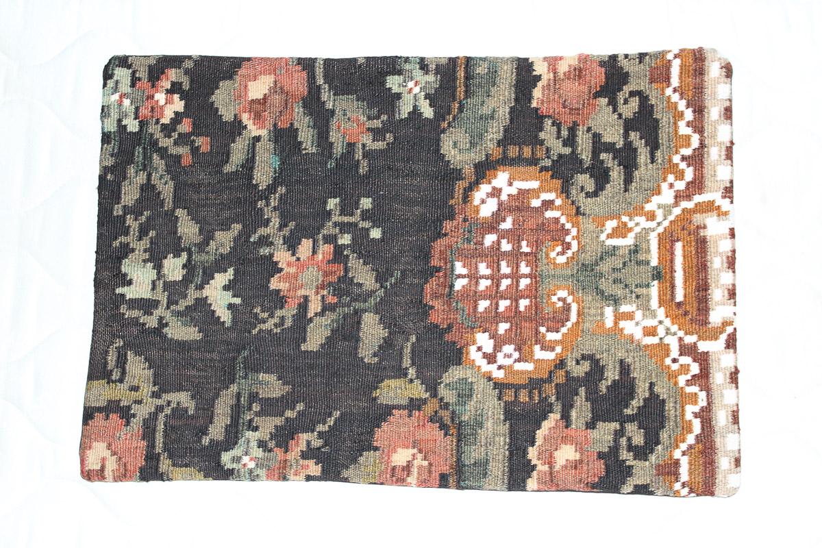 Rozenkelim kussen nr 1591 (60cm x 40cm) Kussen gemaakt van authentieke rozenkelim, inclusief binnenkussen