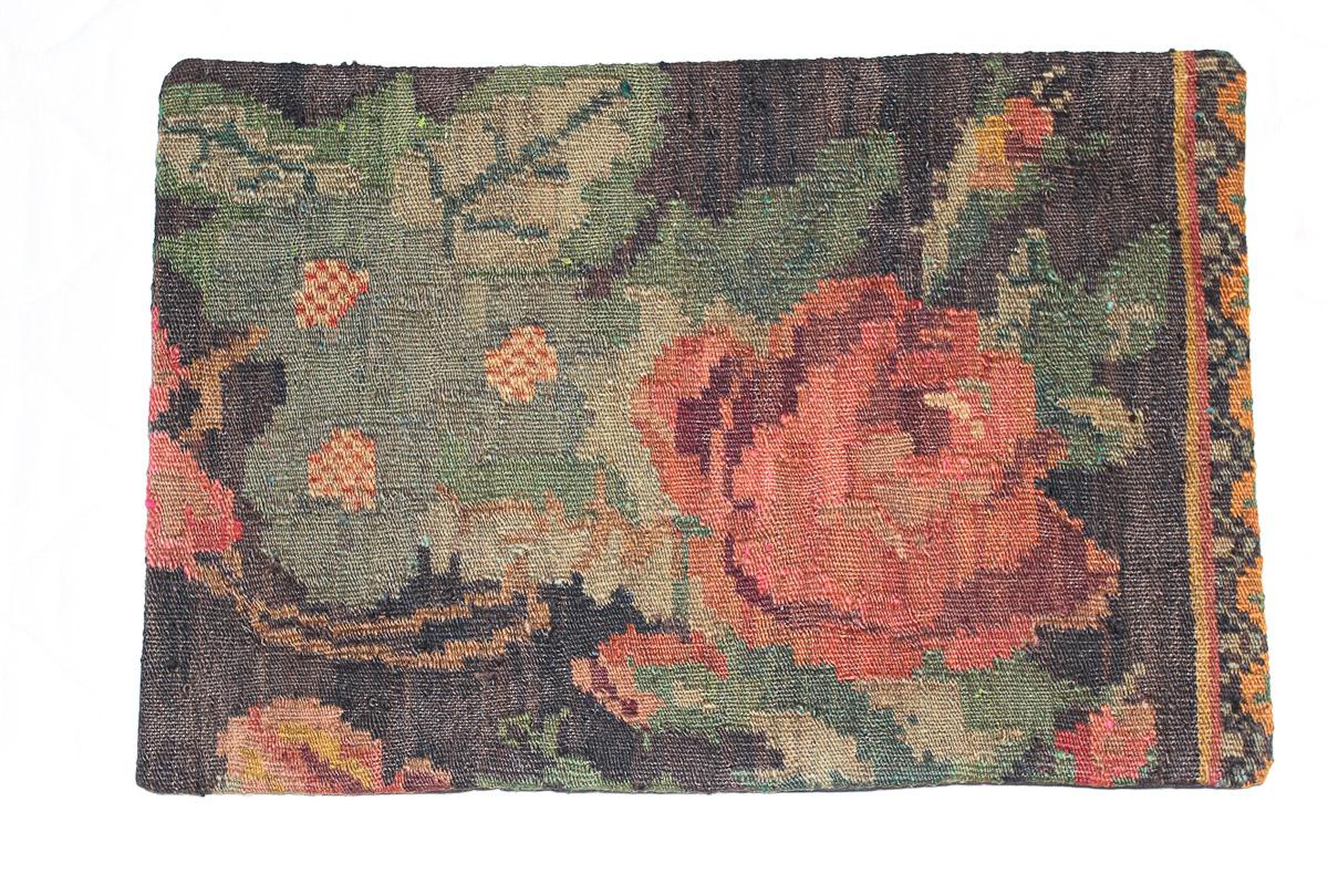 Rozenkelim kussen nr 1599 (60cm x 40cm) Kussen gemaakt van authentieke rozenkelim, inclusief binnenkussen
