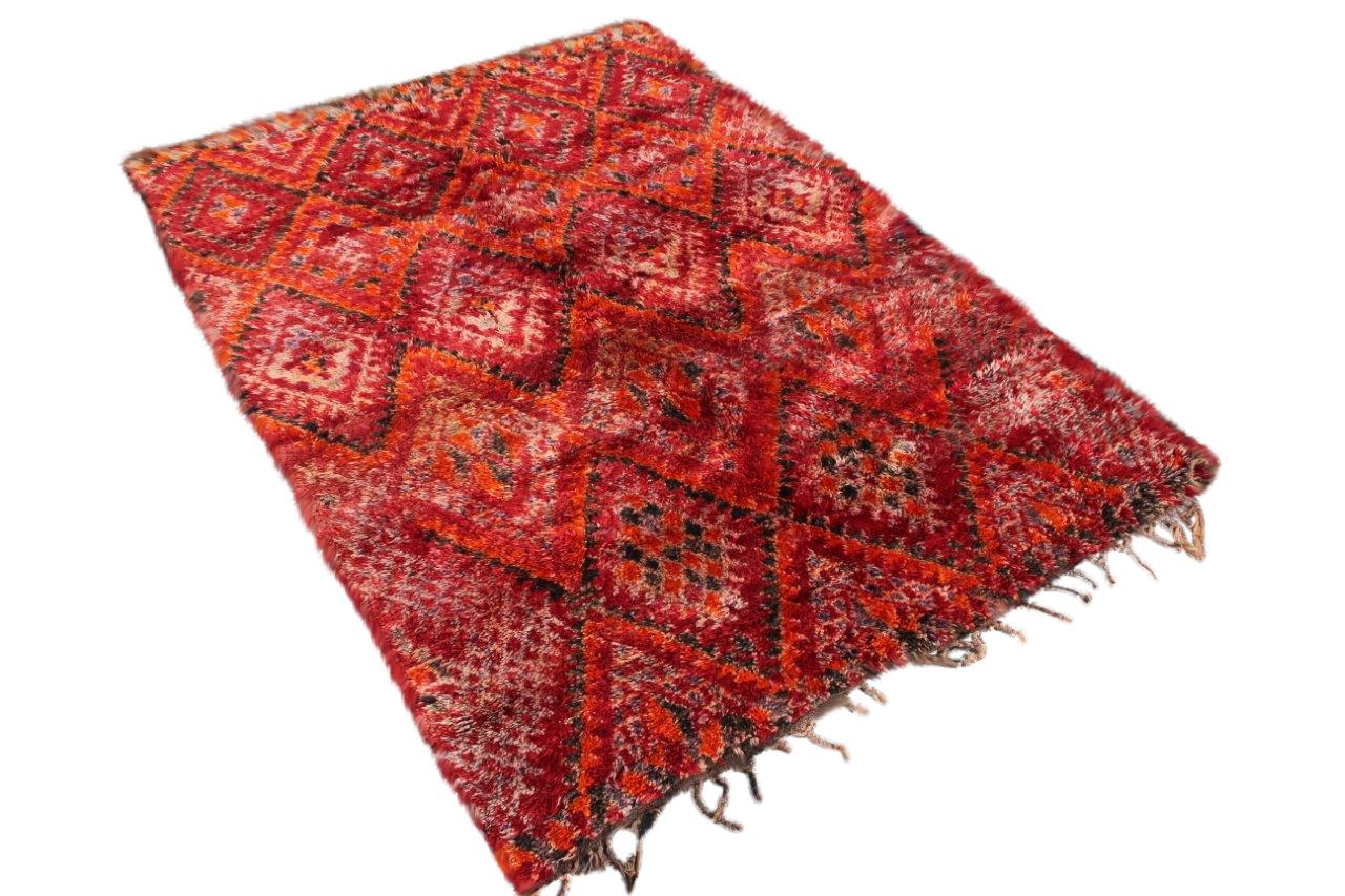60 jaar oude Beni Mguild uit Marokko no 0980 (315cm x 205cm)    Wij verwachten deze berber rond 20 september in Nederland.