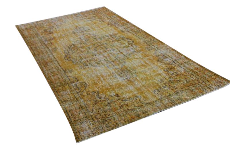 Okergeel vintage vloerkleed 300cm x 178cm  (nr4736) Kleed wordt rond 25 oktober bij ons binnen verwacht)