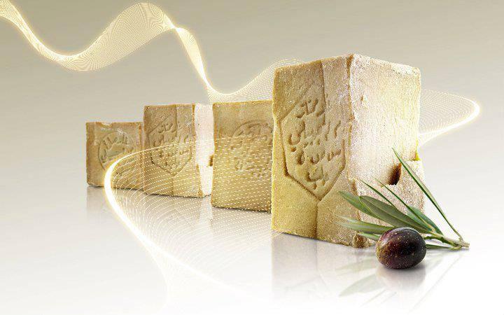 Brok organische olijfzeep 200 gram zonder parfum. (9cm x 5cm x 5cm)