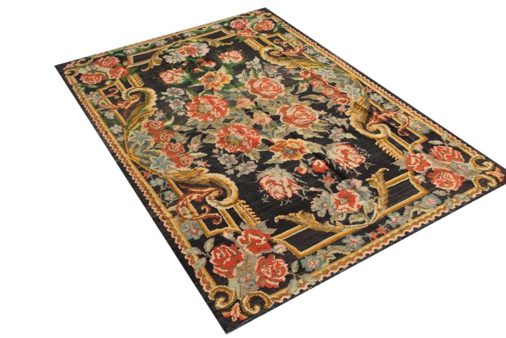 Kelim met rozen nr 4371 (180cm x 257cm) Handgeweven kelim in perfecte staat 30 tot 80 jaar oud.