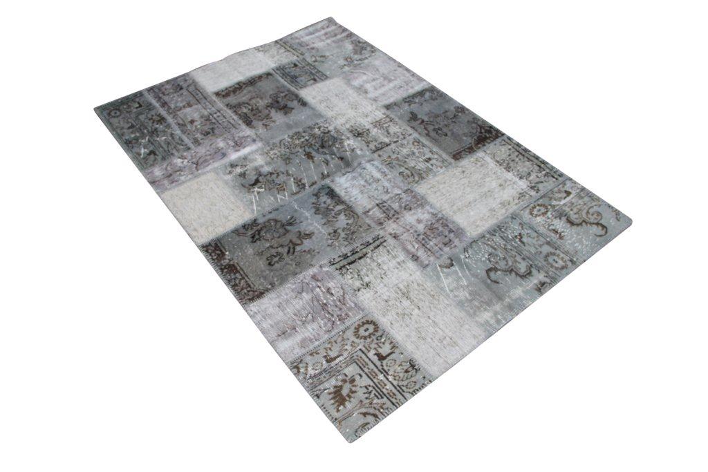 Grijs patchwork vloerkleed 823D (240cm x 170cm) gemaakt van recoloured vloerkleden