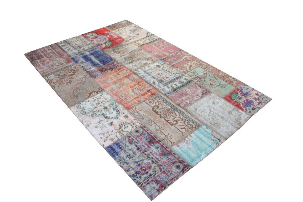 Vintage patchwork vloerkleed 573 (309cm x 200 cm) gemaakt van recoloured vloerkleden