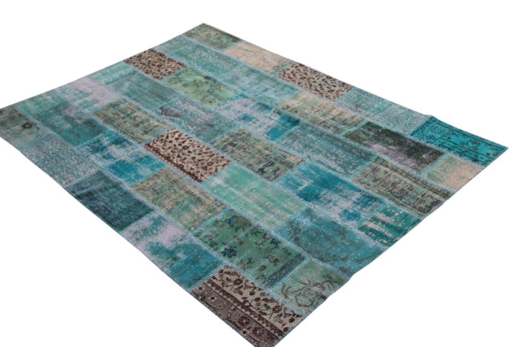 Aqua patchwork recoloured vintage vloerkleed nr 1202     (239cm x 170cm)  gereserveerd voor facebook winactie!