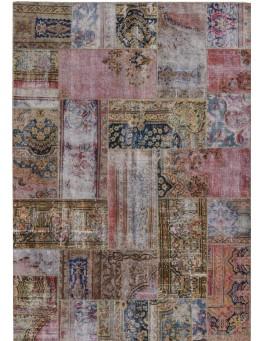 Patchwork vloerkleed no 50681  239cm x 169cm.  Gemaakt van oude kleden, incl onderkleed van katoen.