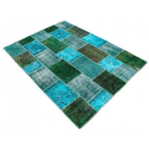 Patchwork vloerkleed gemaakt naar uw wensen, op maat en kleur. Prijs € 160,- per vierkante meter.