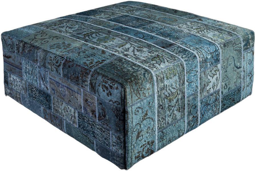 Poef gemaakt uit recoloured vloerkleden. 100cm x 100cm x 40cm hoog  Kleur blauw (niet op voorraad, levertijd 3 weken)