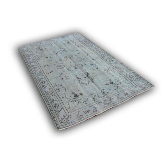 Recoloured vloerkleed 177 (278cm x 187cm)