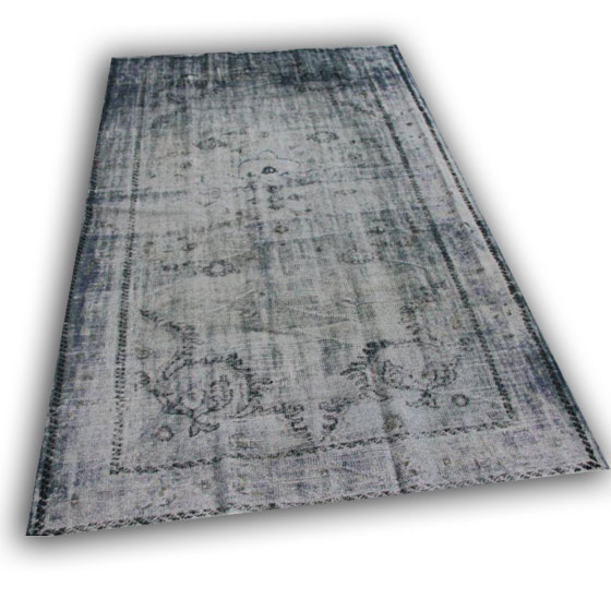 Recoloured vloerkleed 204 (283cm x 181cm)