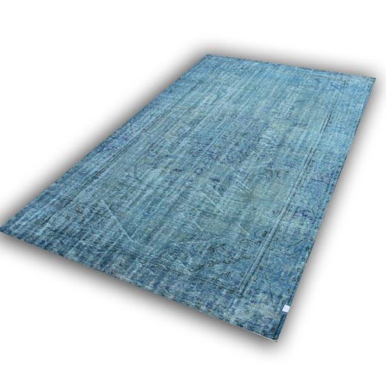 Recoloured vloerkleed 267 (340cm x 210cm) lichtblauw