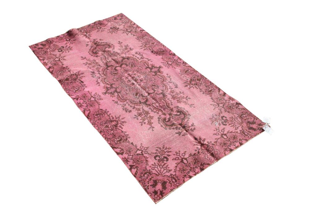 Recoloured vintage roze vloerkleed 505     (208cm x 107cm)