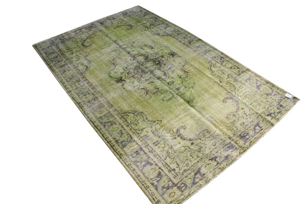 Groen vloerkleed nr 517   (296cm x 193cm)
