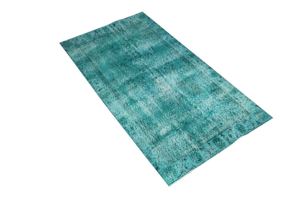 Recoloured vintage zeegroen vloerkleed  nr532   (203cm x 108cm) Oud tapijt wat een nieuwe hippe trendy kleur heeft gekregen.