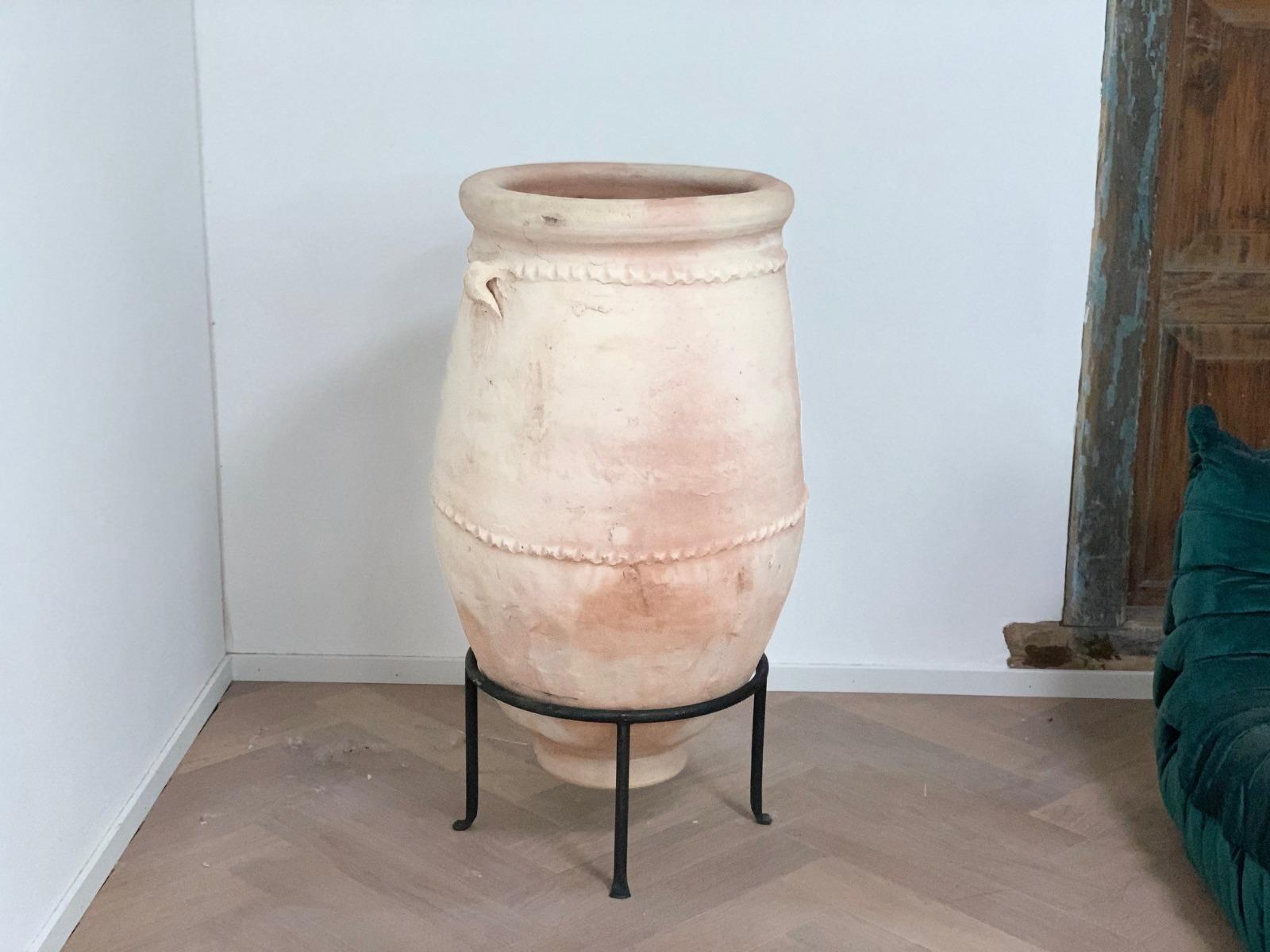 Pot aarderwerk 100cm hoog en 65cm breed