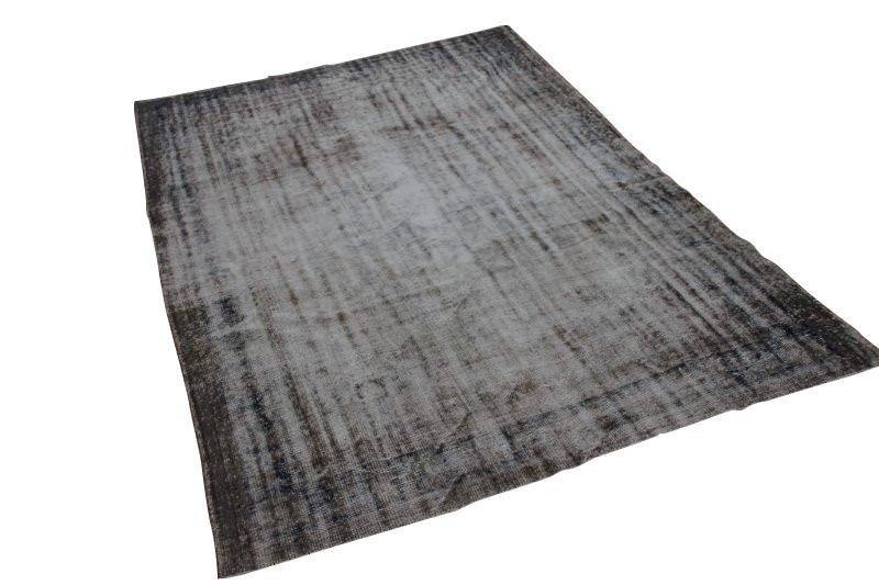 Geschoren vintage vloerkleed 279cm x 186cm  (nr 1498)  Dit kleed wordt nu gebruikt voor fotoshoot en is vanaf 24 januari weer beschikbaar