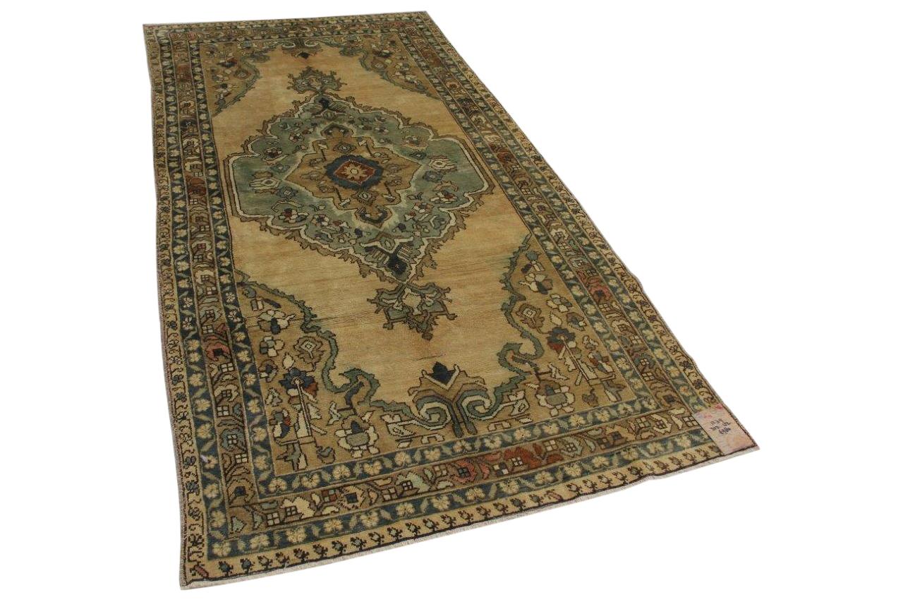 Oud vloerkleed uit Konya