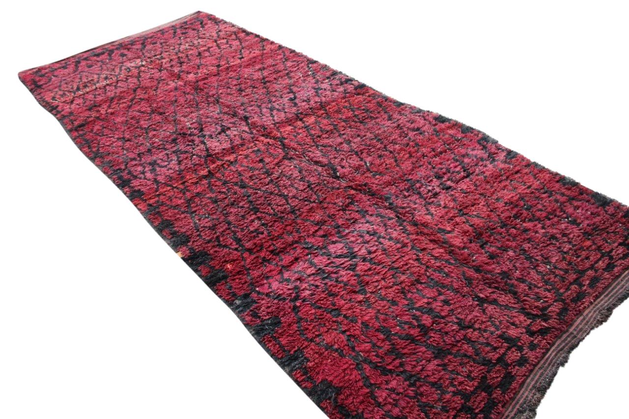 Afbeelding van Beni Mguild rood, 482cm x 205cm hoogpolig vloerkleed