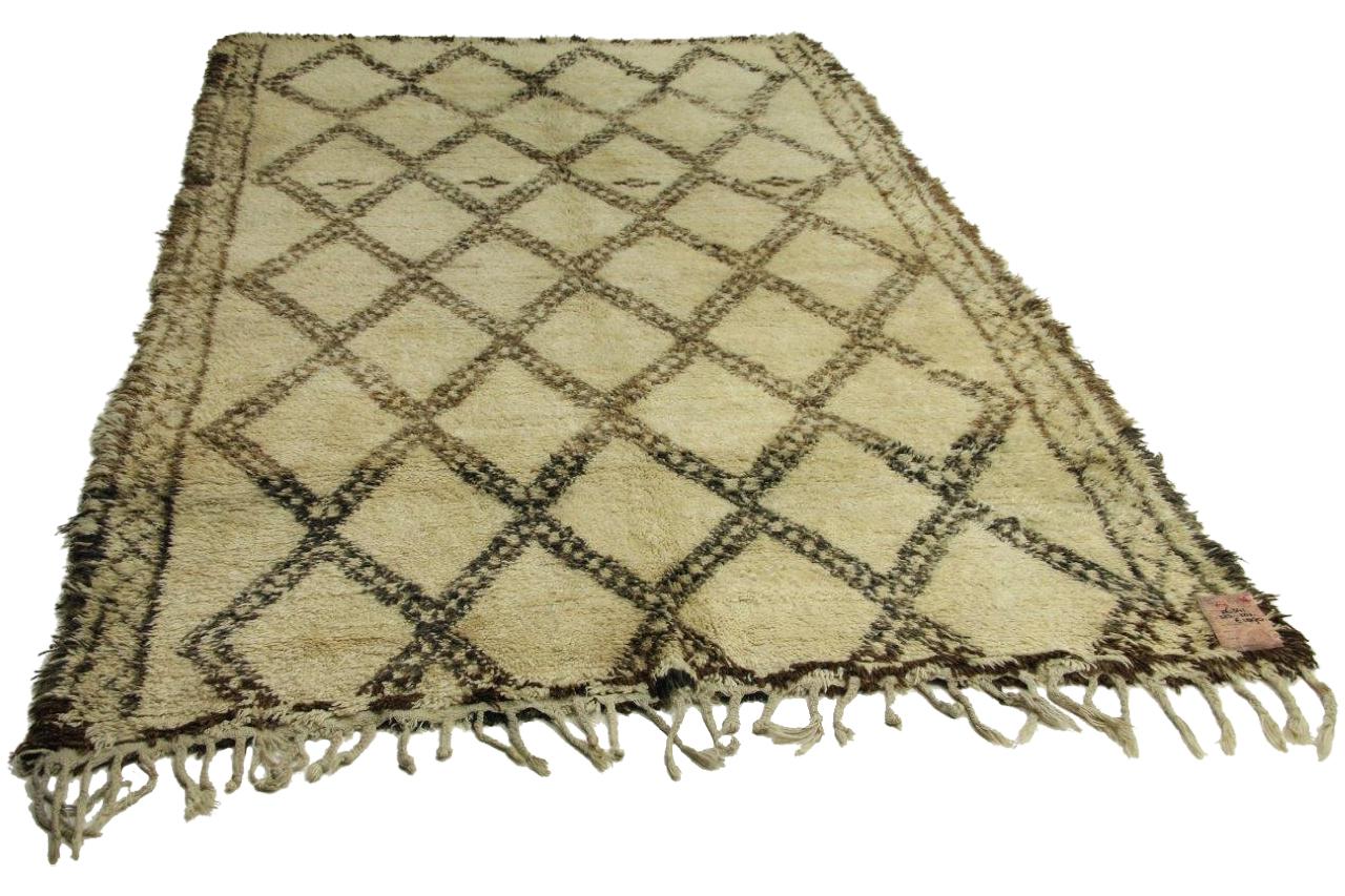 Afbeelding van antieke berber 323cm x 202cm hoogpolig vloerkleed