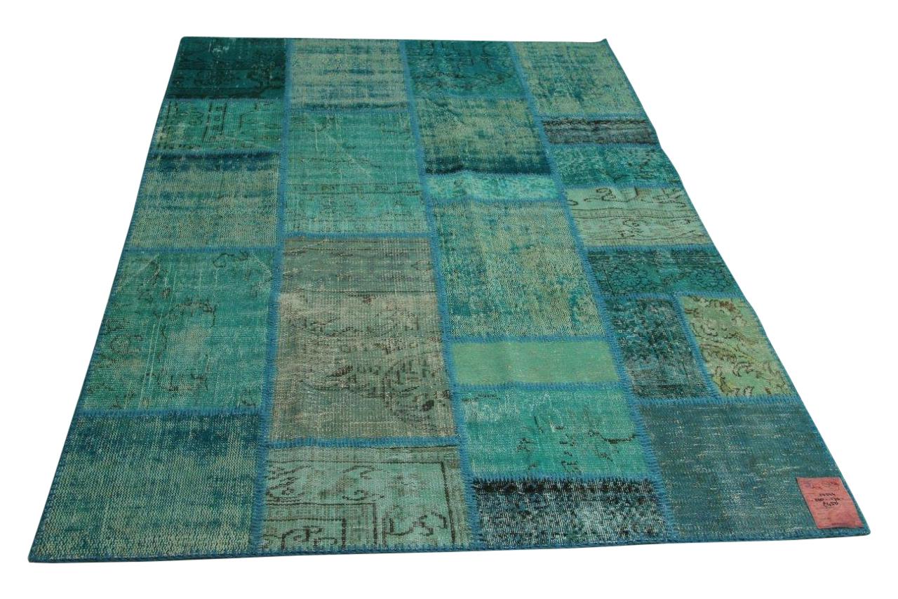 Afbeelding van blauw patchwork vloerkleed 240cm x 170cm