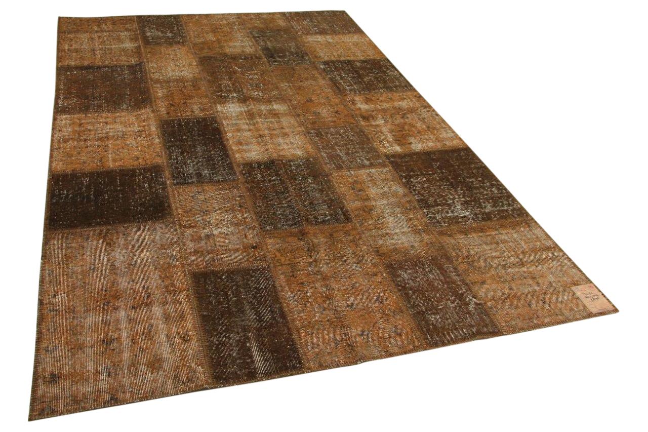 Afbeelding van bruin patchwork vloerkleed 304cm x 202cm