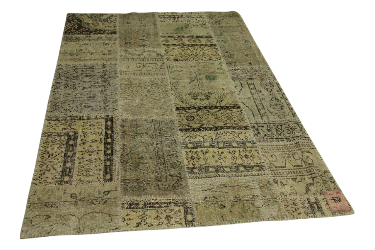Afbeelding van beige patchwork vloerkleed 243cm x 170cm